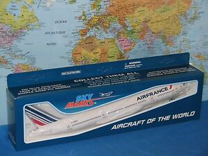 1/200 SKYMARKS AIR FRANCE BOEING B777-200 W/GEAR AIRCRAFT MODEL BRAND NEW & VHTF