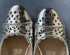 VERA WANG Silver Flat Womens Shoes Size 10 BNWT