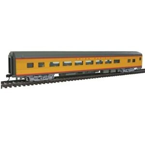 Union Pacific 85' Budd Large-Window Coach HO - Walthers Mainline #910-30008