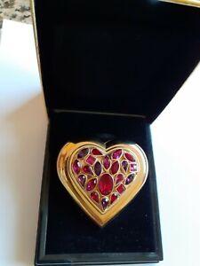 Joli poudrier forme coeur avec cristaux rose, rouge et violet  + boite de YSL