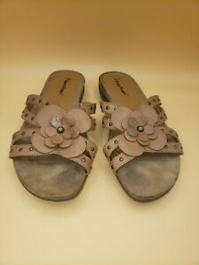 Bare Traps Marty Slide Leather Comfort Flower Sandals Brown Tan Women's US 6.5 M