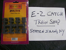MTH RealTrax O Gauge Plastic Track Clips Sealed Package of 24 Clips # 40-1041