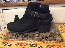 UGG Women's 1016939 Ankle Black Suede zip Fashion Boots Size 7.5M