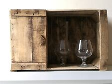 Cassetta della frutta porta liquori, arredo wine bar modulare.