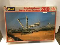 REVELL SCHAUFELRADBAGGER BUCKET WHEEL EXCAVATOR 289 MODEL #8813 1/200 FOR PARTS