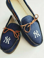 New York Yankees MLB Mens Moccasins Hard Rubber Sole Slippers NEW Indoor/Outdoor