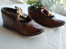 Anciennes chaussures cuir pour poupée Steiner , Jumeau.