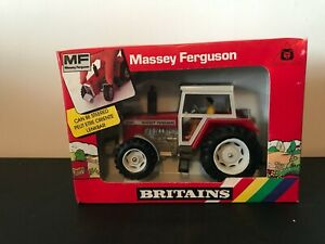 BRITAINS 1:32 SCALE 9520 MASSEY FERGUSON 2680 4WD WITH BOX