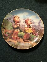 "Danbury Mint M J Hummel  "" Little Explorers "" Plate Excellent Condition"