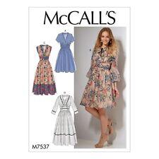 McCalls Schnittmuster M7537 -  Kleid - breiter Bund - Rockteil geriehen
