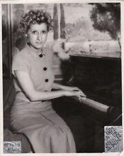 Mireille au piano Original Vintage c.1935