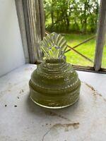 Vintage Clamshell Lid Glass Art Deco Powder Dish Decoration