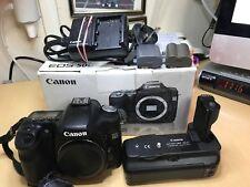Canon EOS 50D 15.1 MEGAPIXEL (Pre-Owned) con battery grip - 32070 conteggio dell'otturatore
