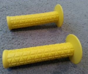NEW TRIANGLE  BICYCLE GRIPS YELLOW  BMX BICYCLES