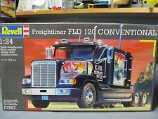 Revell of Germany 7557 - Freightliner FLD 120 conventional flat top.  1/24th