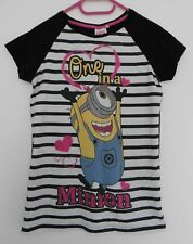 T SHIRT MULTICOLORE. ONE LOVE IN A MINION. DESPICABLE ME 2. TAILLE 14 ANS