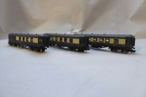 3 x N Gauge Graham Farish Pullman coaches - 2 x saloons and 1 x Brake End