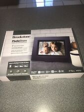 New Brookstone Photo Share Digital Picture Frame