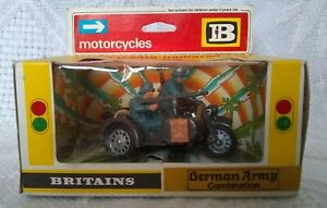 BRITAINS German army BMW motorcycle & sidecar combination 9681 1:32 1974 boxed