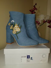 CAPE ROBBIN BETISA Denim Embroidered Flowers Block Heel Bootie Back Zip Sz.8;9