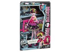 Monster High Art Class Draculaura - Brand New - Free Delivery
