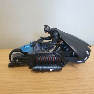 BATMAN On Bike Figure DC Comics TM 2005 Dark Knight Bat Mobile Toy Motorbike