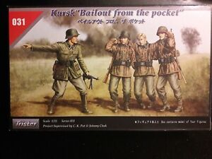 """Tristar Series #35031 1/35 Scale, Kursk """"Bailot from the pocket"""" (NEW)"""