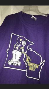 Minnesota Vikings Mascot Piss on Green Bay Wisconsin Packers T-Shirt *ALL SIZES*