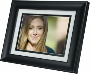 "HP 8"" Digital Picture Frame - 2GB INTERNAL MEMORY - SOLID WOOD - 4 MATS - REMOTE"