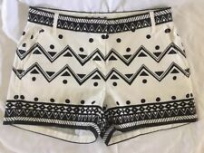 Lovely ELLE black & white patterned relaxed fit shorts, 3in inseam, size 2