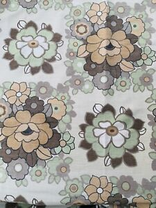 stunning 1970s PIECE OF  fabric  ,119 CM width by 177 Cm DROP