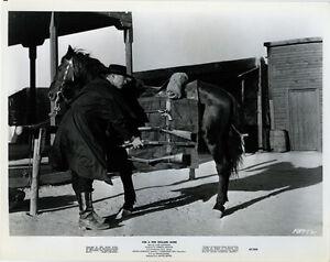 Lee Van Cleef Original 8x10 Photo Beside Cheval Avec Armes Pour A Few Dollars D