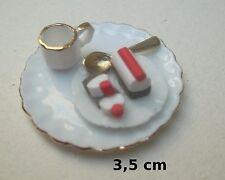plat avec buche de noël miniature,maison de poupée,vitrine, sucré,gateau  ***CL1