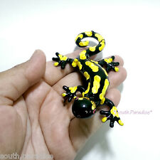 Black Gecko Salamander Lizard Hand Blown Glass Animal Figurine Collectible Art