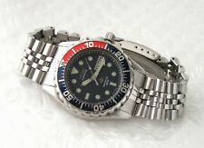 Seiko Kinetic Sports 200 - 5m43 0A40 - stainless steel diver's watch and papers.