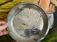 (FEEDMORE DONATION) Disc Golf Frisbie's Pie Tin Frisbie  Free Frisbee Pin Wham-O