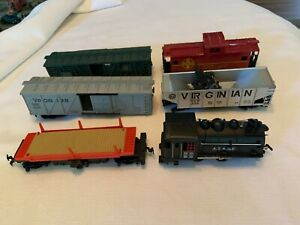 Tyco HO Train Lot 6 Cars Caboose Locomotive For Parts/Repair