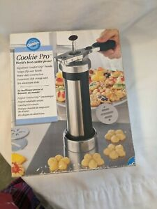Wilton Cookie Pro Cookie Press With Box