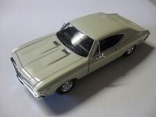 WELLY 1:24 SCALE CHEVY CHEVELLE SS 396 DIECAST CAR MODEL W/O BOX