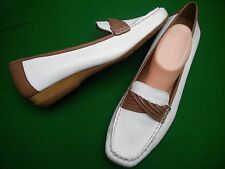 LADIES LIKE NEW HUSH PUPPIES WHITE / BROWN LEATHER  FLAT SHOES SIZE 13