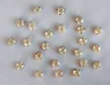 VINTAGE PEARL WHITE OPAL RHINESTONE SEW ON EMBELLISHMENTS ROSE MONTEES • 22ss