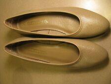 Naturalizer Beige Flat Shoe Womens Size 7.5 N