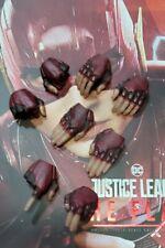 Hot Toys MMS448 Justice League The Flash Ezra Miller 1/6 Figure hands