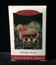 1995 Hallmark Fabulous Decade # 6 Keepsake Christmas Ornament otter clip style