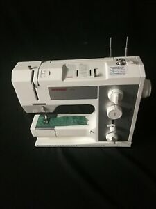 Bernina 1008 Sewing Machine In Very Good Condition In Original typ Box Serviced