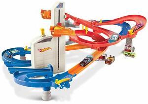 Hot Wheels Auto Lift Expressway Trackset Rennbahn + 5 Modellautos Mattel NEU