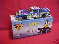 2002 JEFF GREEN #30 LOONEY TUNES REMATCH / AMERICA ONLINE 1/24 CLEAR WINDOW CAR