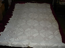 #177 Beautiful Vintage Handmade Coverlet