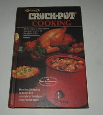 RIVAL CROCKPOT SLOWCOOKER COOKING COOK BOOK 1975 MORE THAN 300 RECIPES  EX Cond