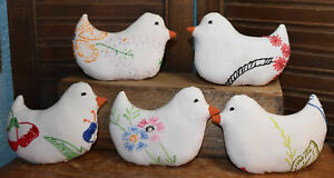 Primitive 5 Chicks Bowl Fillers Embroidered Chickens Hens Cupboard Tucks